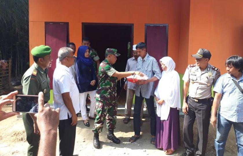 Peduli Sesama, Kodim 0103/Aceh Utara dan Pengiat Medsos Bangun Rumah Dhuafa