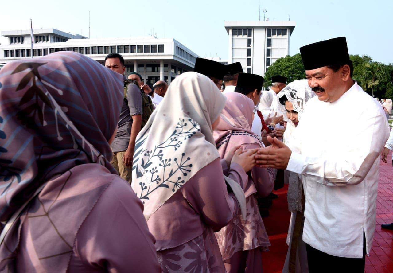 Panglima TNI Sholat Idul Fitri 1439 H Bersama Ribuan Prajurit dan Masyarakat