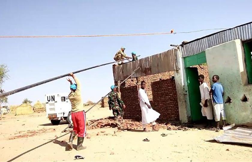 Satgas Konga UNAMID Bantu Renovasi Masjid dan Sekolah Al Quran