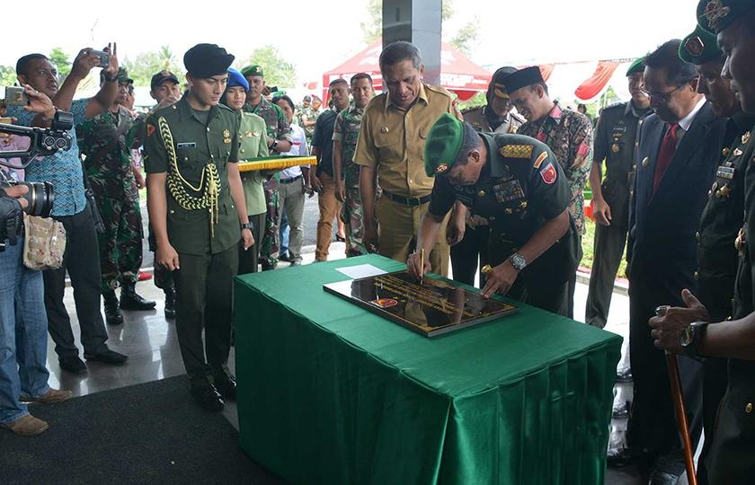 Pangdam XVI/Pattimura Resmikan Satuan Brigif 27/Nusa Ina