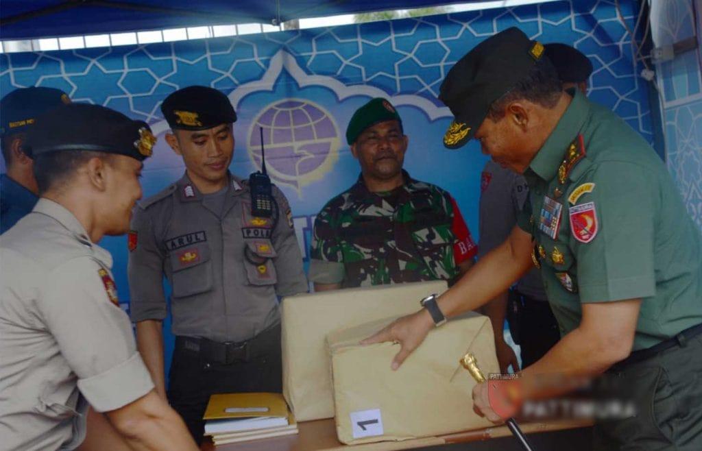 Pangdam Kunjungi Petugas Pospam Lebaran di Kota Ambon