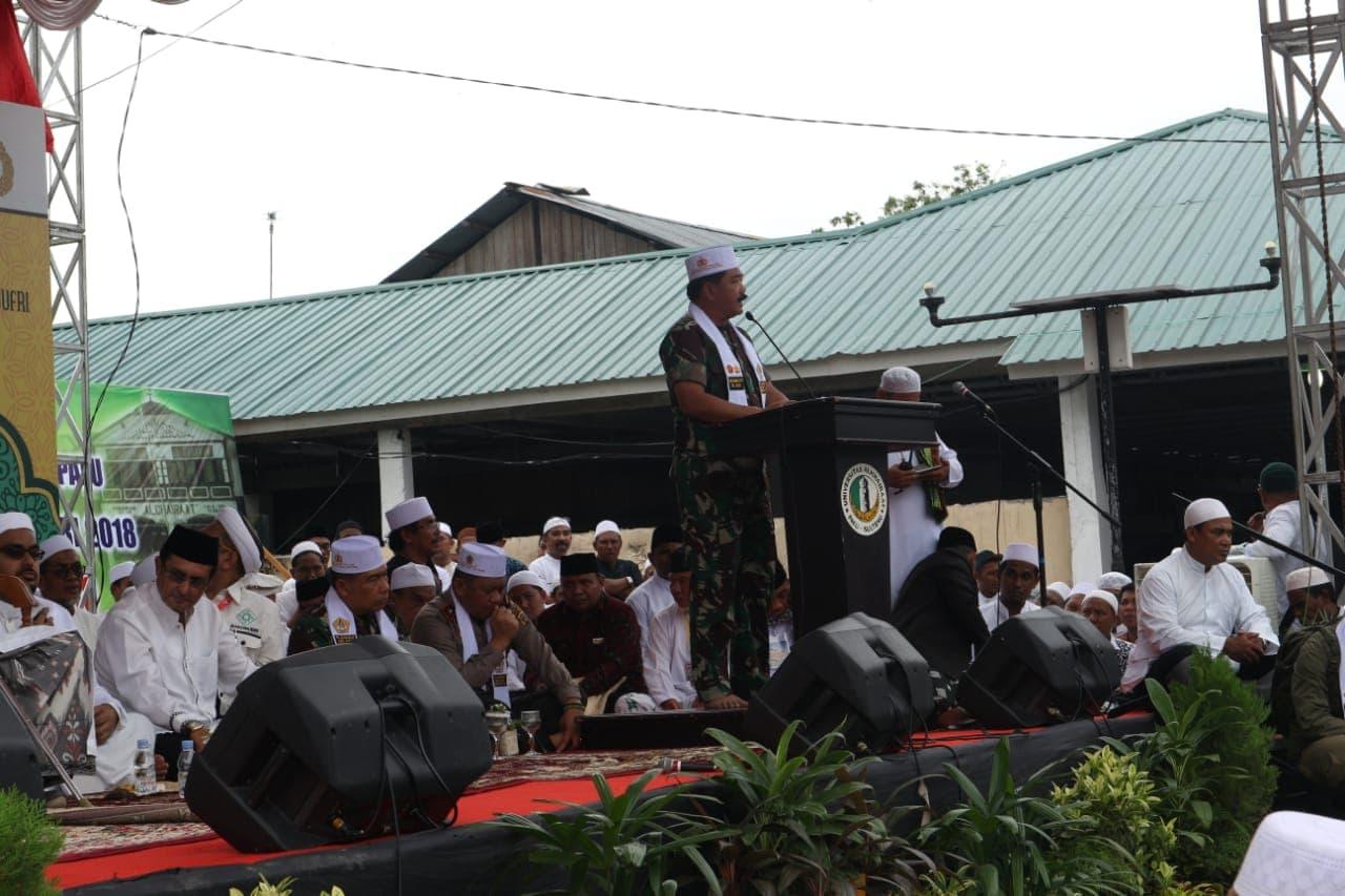 Panglima TNI: Pendidikan Bagi Umat Sangat Penting