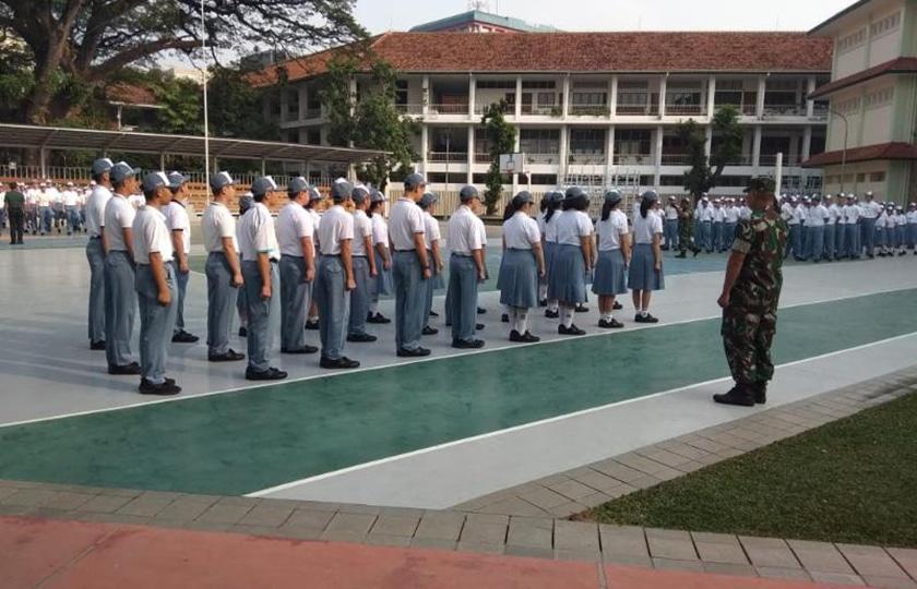 Gandeng Koramil Menteng, SMA Santa Theresia Bekali Kedisiplinan Siswa Baru