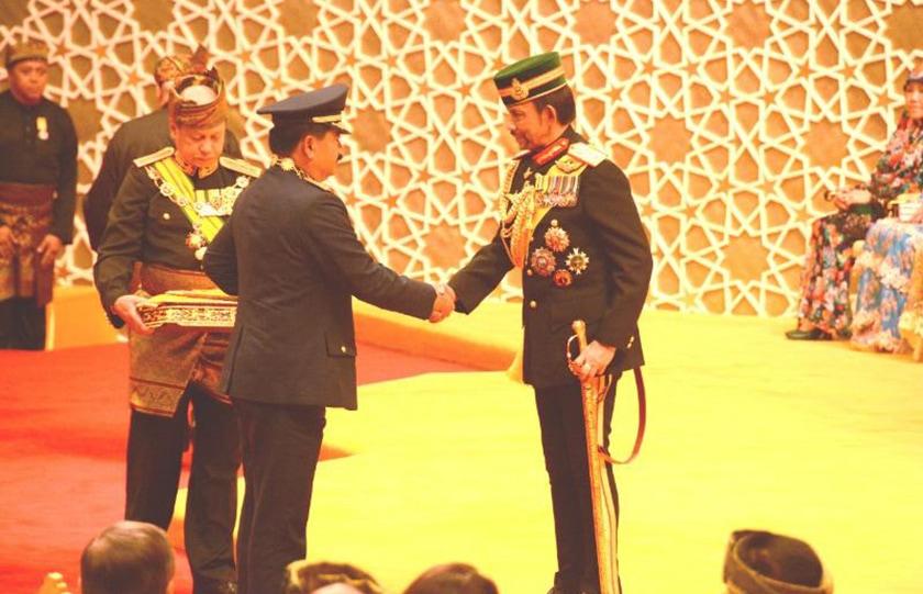Panglima TNI Dianugerahi Bintang Negara Brunei Darussalam DPKT