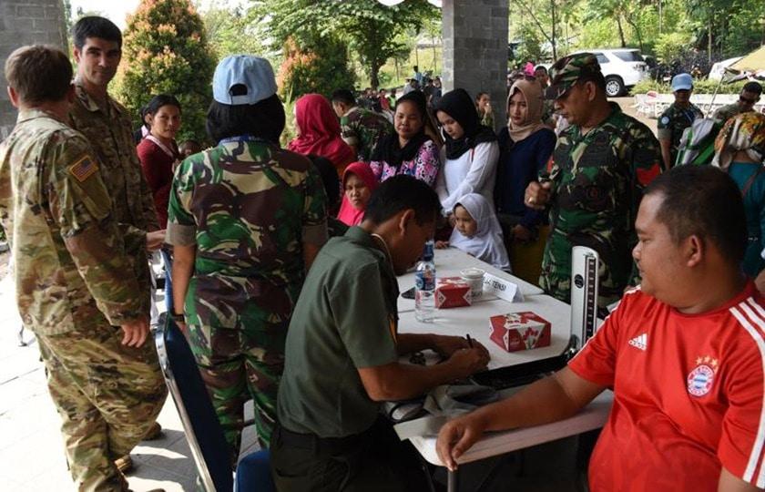 TNI dan US Army Gelar Pengobatan Massal Gratis
