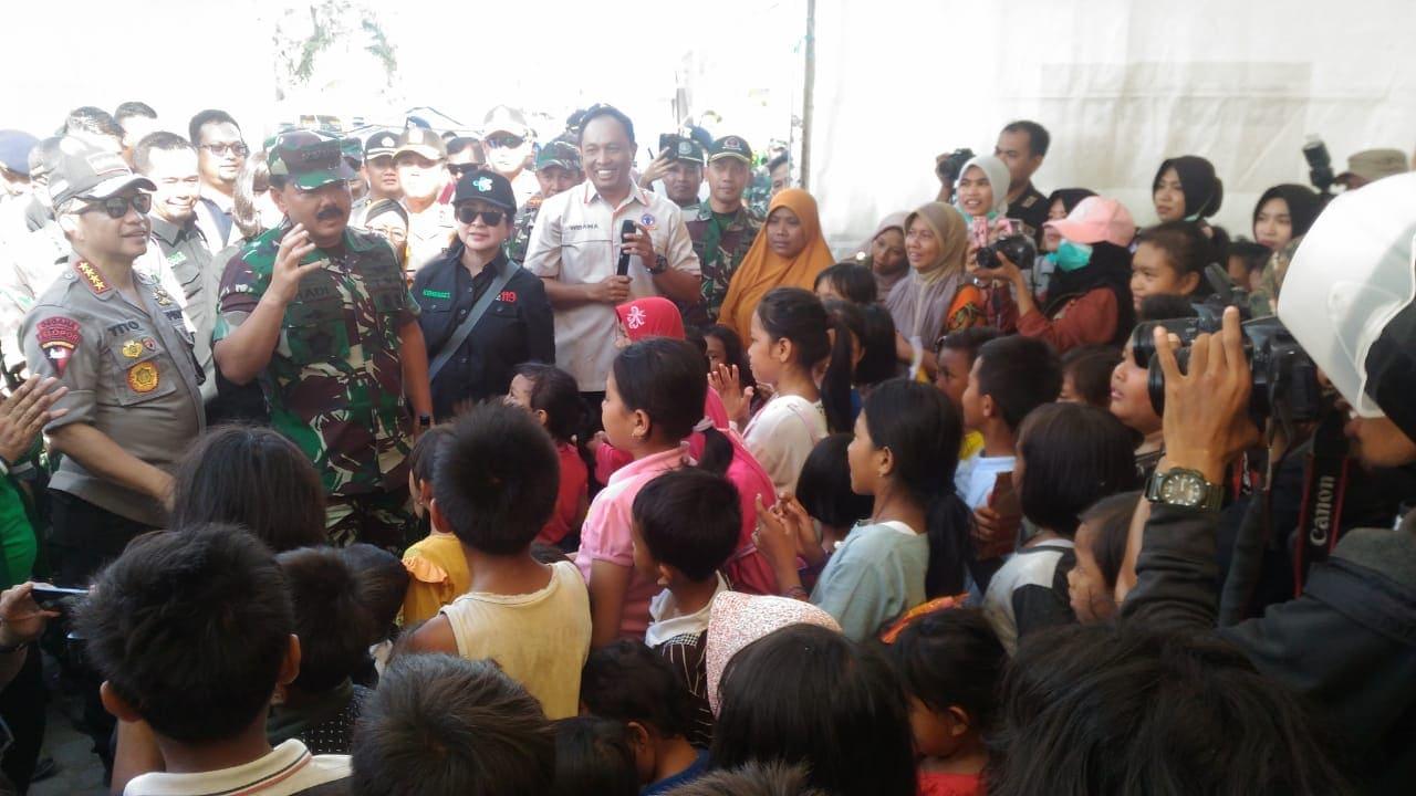 Panglima TNI, Menkes RI, dan Kapolri Tinjau Korban Gempa Lombok