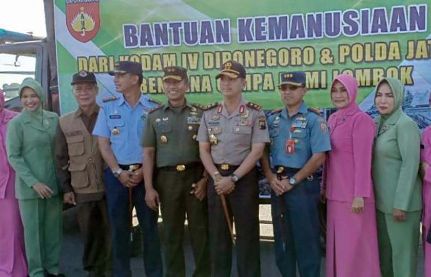 TNI dan Polri Kirim Bantuan Kemanusiaan ke Lombok
