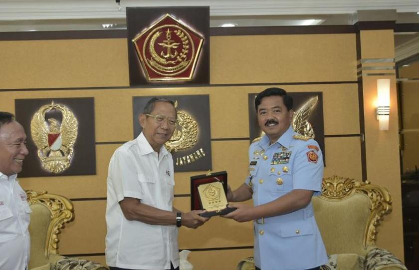 Panglima TNI Terima Audiensi Plh. Ketua Umum PMI
