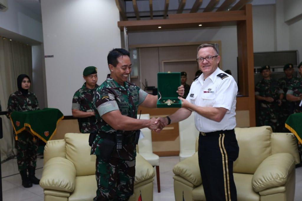 Pangkostrad Terima Kunjungan Wakil Asisten Intelijen Angkatan Darat Amerika Serikat