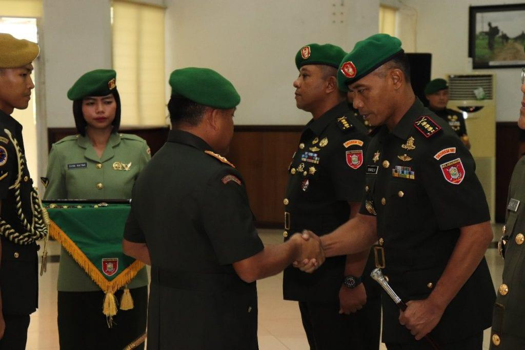 Pangdam VI/Mulawarman Pimpin Serah Terima Danrem 101/Antasari
