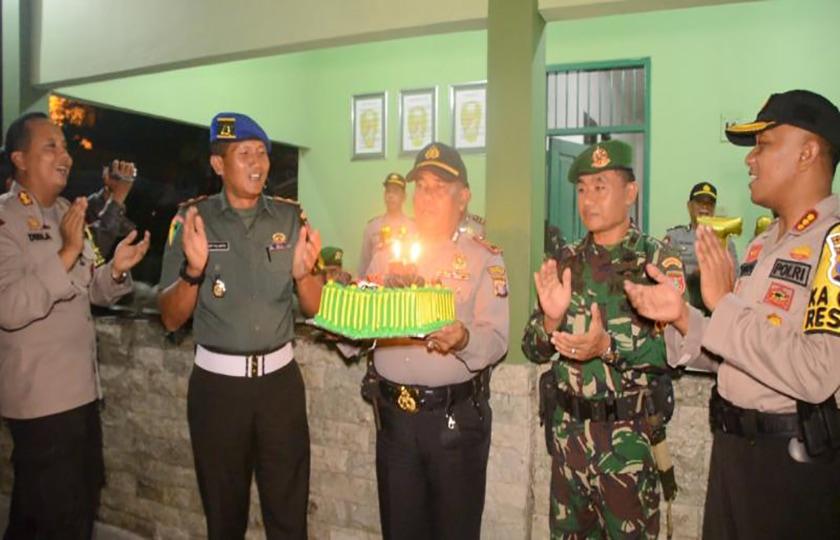 Kapolresta Beri Kejutan Korem 091/ASN Dalam Memperingati HUT ke-73 TNI