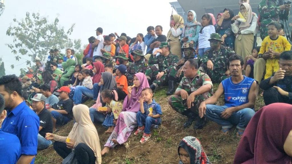 Ribuan Masyarakat Saksikan Langsung Latihan Ancab TNI AD 2018