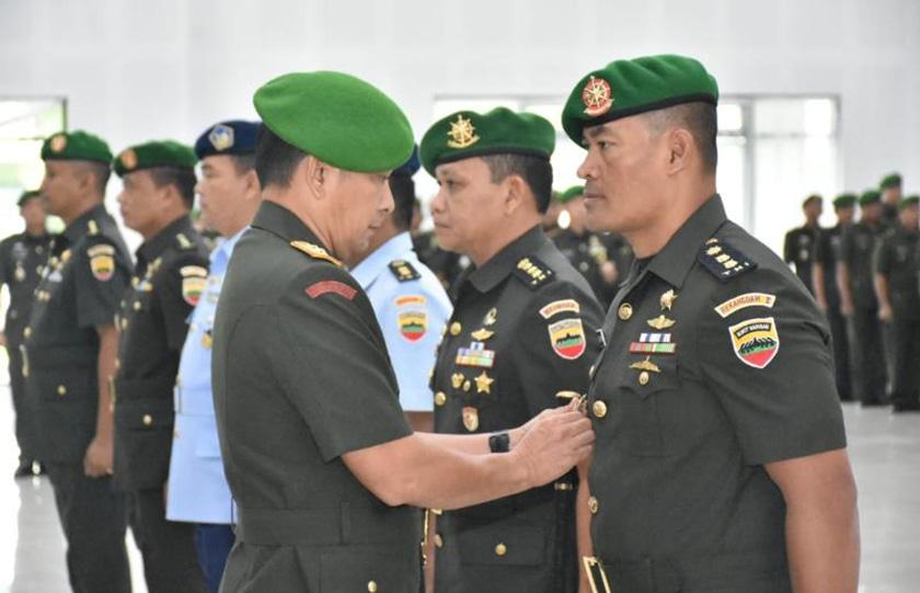 Pangdam I/Bukit Barisan Memimpin Sertijab Beberapa Pejabat Kodam