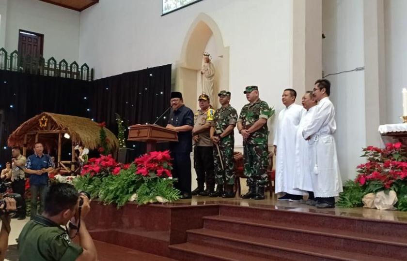 Pangdam V/Brawijaya Bersama Forkopimda Jatim Kunjungi Gereja di Surabaya