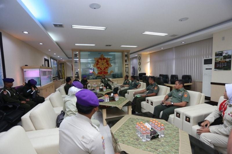 Pangkostrad Terima Audiensi Komando Resimen Mahasiswa Jayakarta