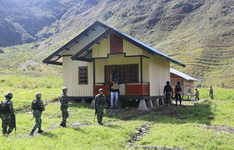Jaga Stabilitas Keamanan di Puncak Jaya, Satgas Yonif MR 412/ Kostrad dan Polri Gelar Sweeping