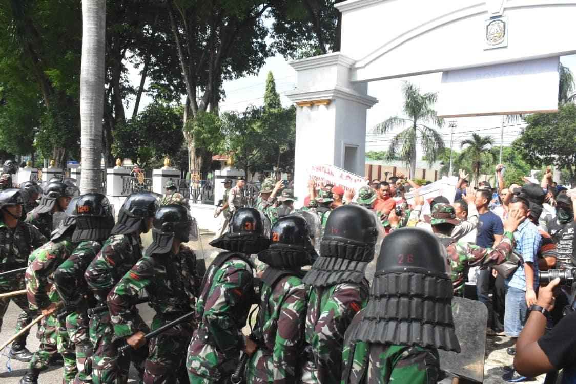 TNI-Polri Laksanakan Latihan Simulasi Penanganan Massa Dalam Pemilu 2019