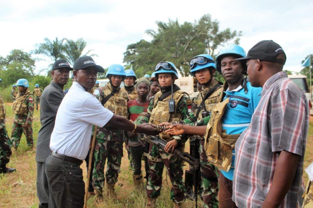 Berkat Kegiatan Binter, Tiga Warga Ex-Combatan Serahkan Senjata ke Satgas Konga MONUSCO