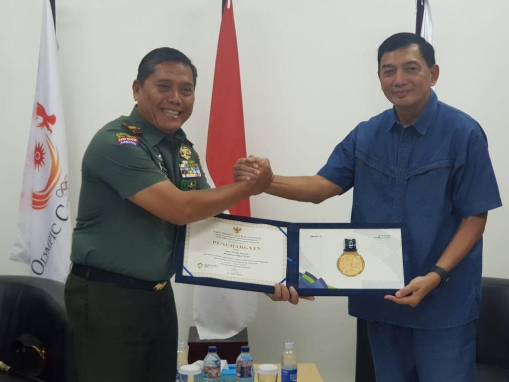 Penghargaan Wapres Untuk Dedikasi dan Kontribusi Letjen TNI A.M. Putranto
