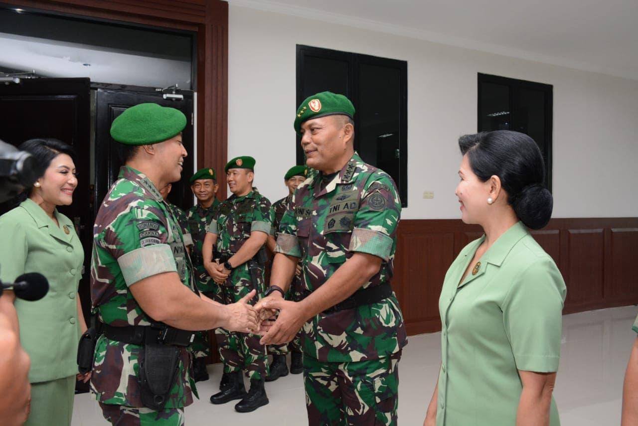 Kasad Terima Kenaikan Pangkat 16 Pati TNI AD
