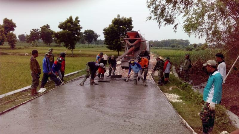Program TMMD Tingkatkan Kemanunggalan TNI - Rakyat di Lamongan