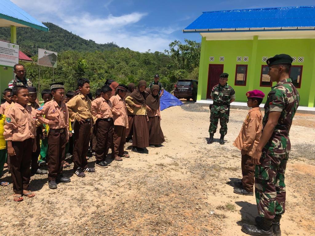 Satgas Bantu Mengajar di Wilayah Perbatasan, Tekad Cerdaskan Generasi Bangsa.