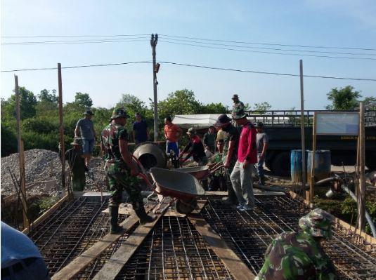 Injury Time, Tak Kenal Libur Prajurit TNI Tuntaskan Jembatan di Atim