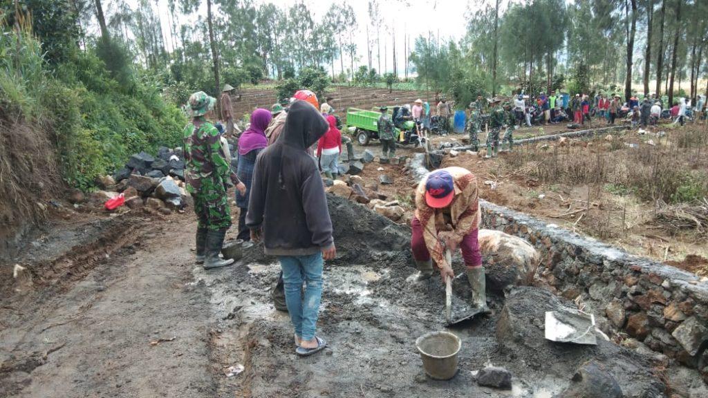 TMMD Pelihara Semangat Gotong Royong dan Perkuat Kemanunggalan TNI-Rakyat.
