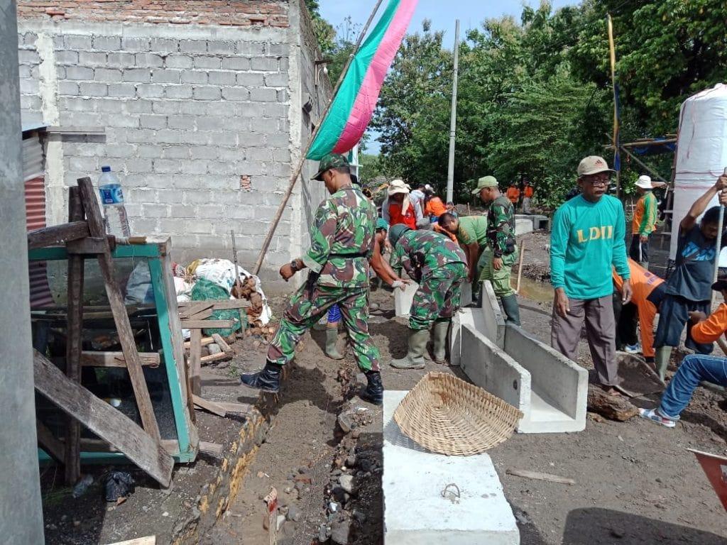 Untuk Rakyat, Prajurit TNI AD Jago Perang dan Juga Mahir Menukang