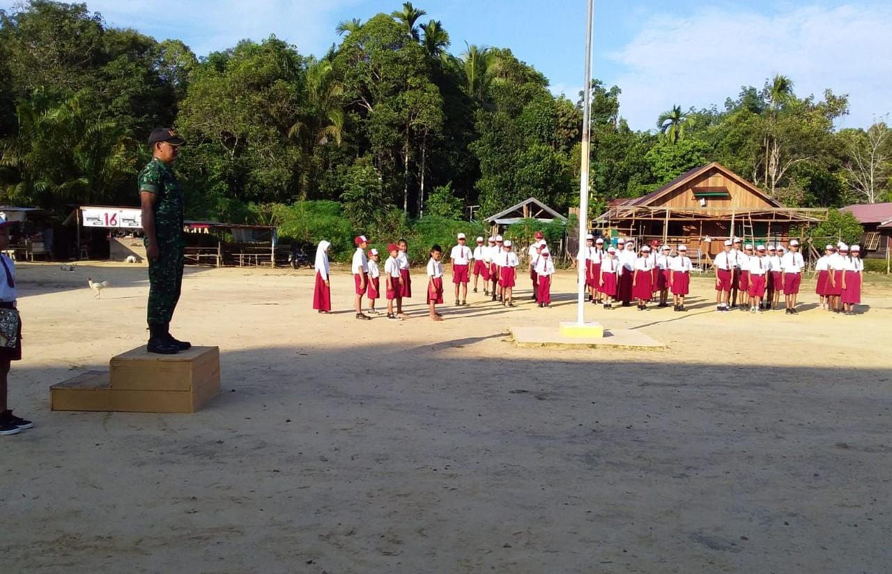 Tanamkan Sikap Cinta Tanah Air Bagi Anak Sekolah di Kapuas