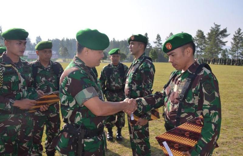 Pangdam IM Beri Penghargaan kepada Prajurit Prestasi