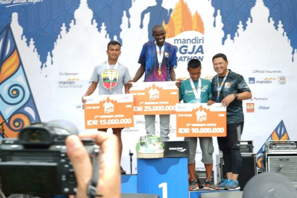 Dikalahkan Pelari Kenya, Pratu Welman Juara 2 Half Marathon