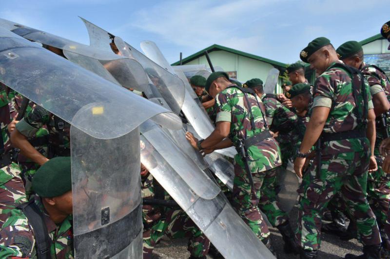 Antisipasi Situasi Anarkis, Armed 12/Kostrad Gelar Latihan PHH