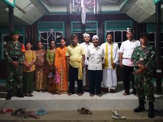 Jamin Keamanan dan Kenyamanan Ibadah Tileum Warga, Babinsa Jaga Pura di Labuhan