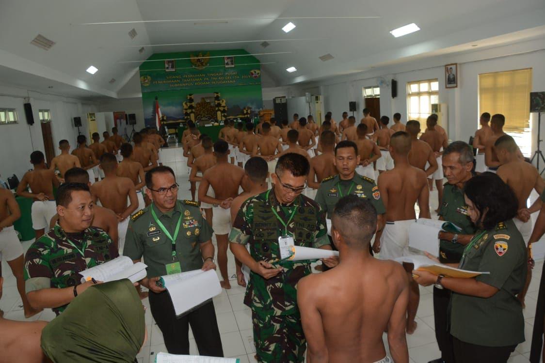 Pilih Calon Prajurit Profesional Pangdam Pimpin Sidang Cata PK TA. 2019