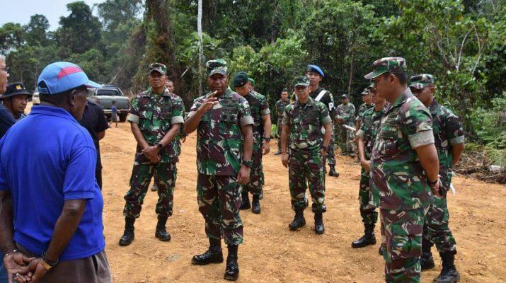 Pangdam XVIII/Kasuari Tinjau Lokasi Pembangunan Mako Brigif -3/Kostrad di Sorong