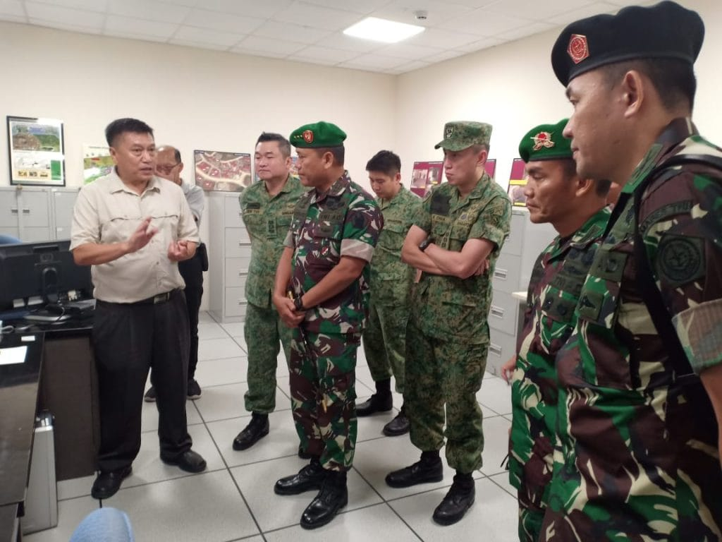 Senior Officer Visit, Pererat TNI AD dan AD Singapura