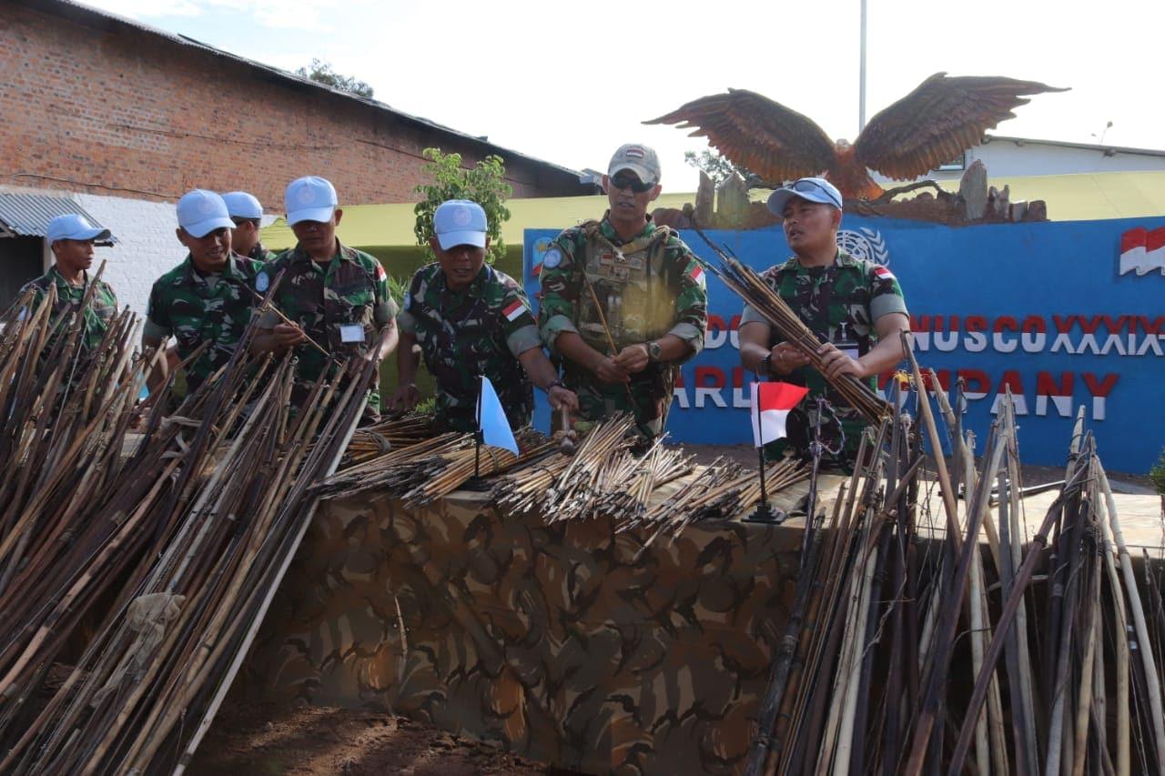 Satgas TNI Konga Monusco Amankan Panah dari Suku Twa dan Suku Buntu