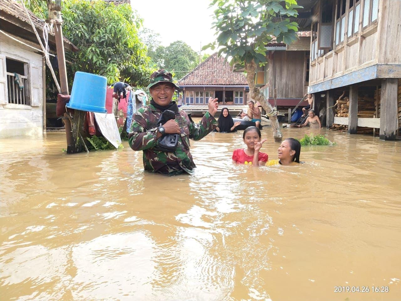 Peduli Bencana, Yonif 144, Latih Kesiapsiagaan Warga Mahulu