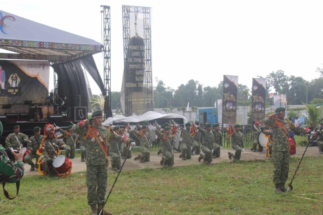 """Drumband """"jayadaka Dirgahayu"""" Meriahkan Festival Crossborder Skouw Jilid Dua"""
