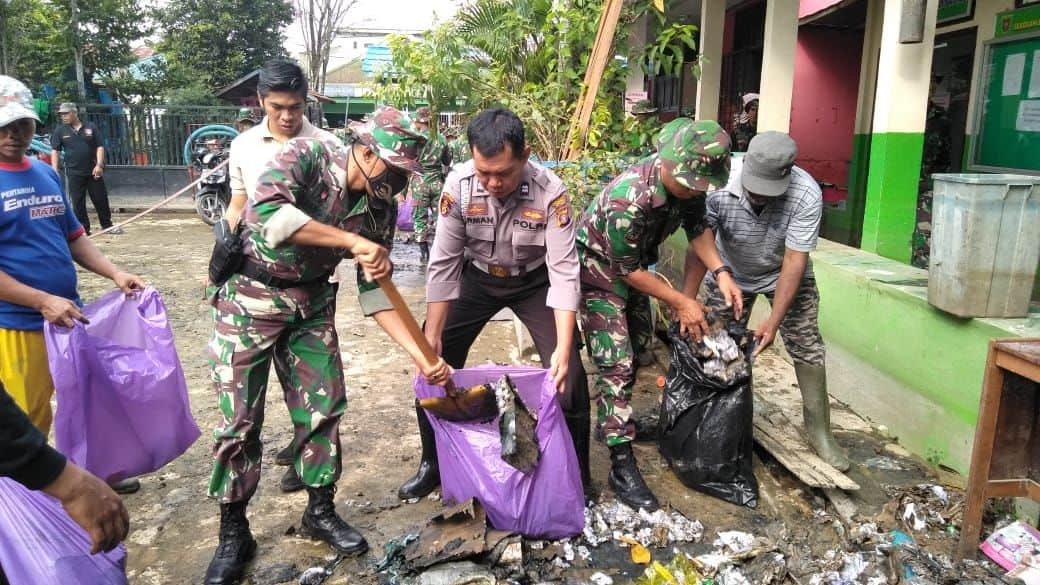 Kodim Samarinda Turun Tangan, Bantu Rehabilitasi Pasca Banjir Karang Mumus