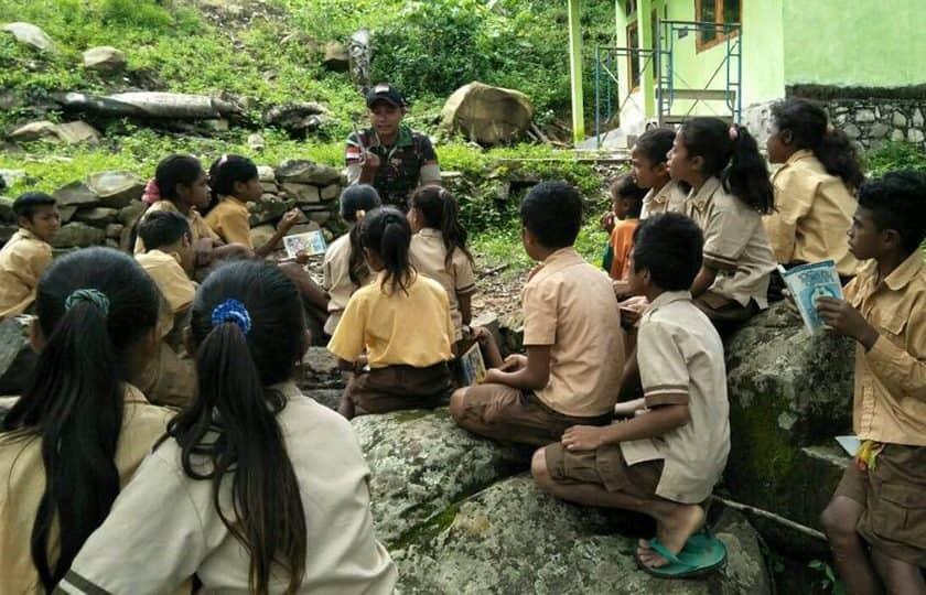 Sekolah Alam Satgas Yonif 408, Seimbangkan Pengetahuan Dengan Kepedulian Kepada Semesta