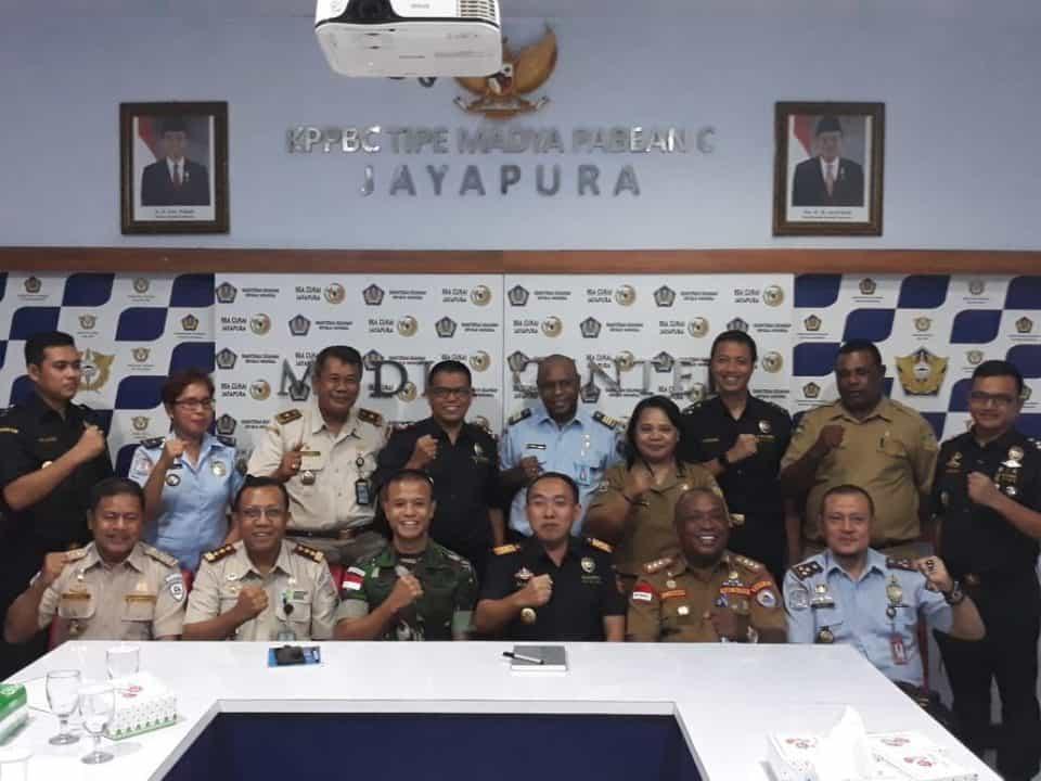 Dorong Perekonomian Di Perbatasan, Satgas Yonif Pr 328 Jamin Kondisi Keamanan Lintas Batas