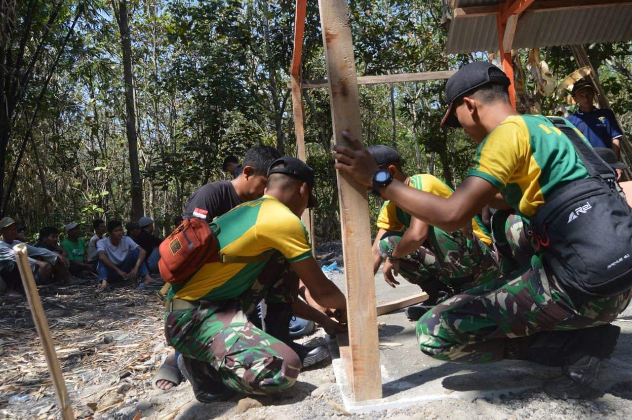 Alami Kebakaran, Rumah Mbah Munandar Direhab Yon Armed 12/kostrad