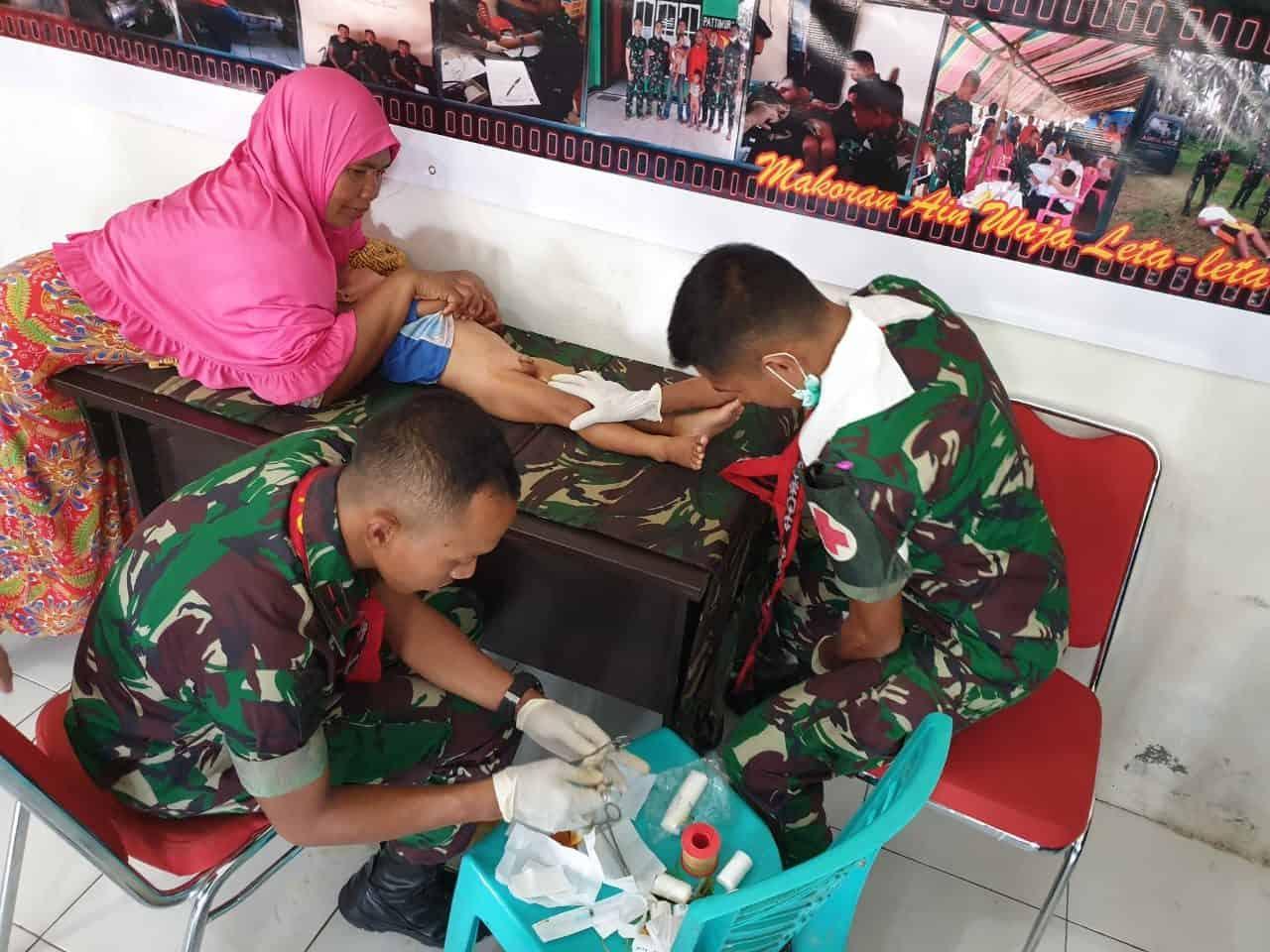Liburan Sehat, Satgas Yonif 734 Sunat Massal 150 Anak Halmahera Utara