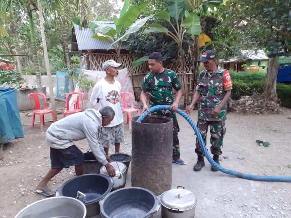 Atasi Krisis Di Perbatasan Ri-rdtl, Satgas Yonmek 741 Kirim Truk Air Bersih Bagi Warga Fatumuti