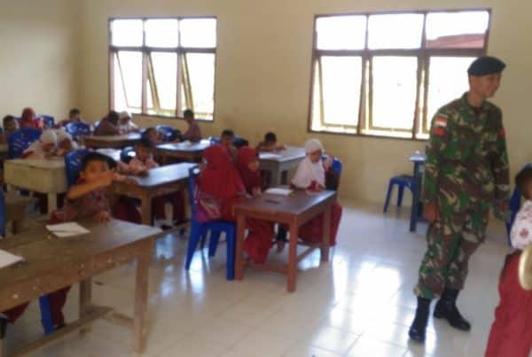 Turut Cerdaskan Anak Perbatasan, Satgas Yonif R 600 Terapkan Kemampuan Mengajar Dari Kemendikbud