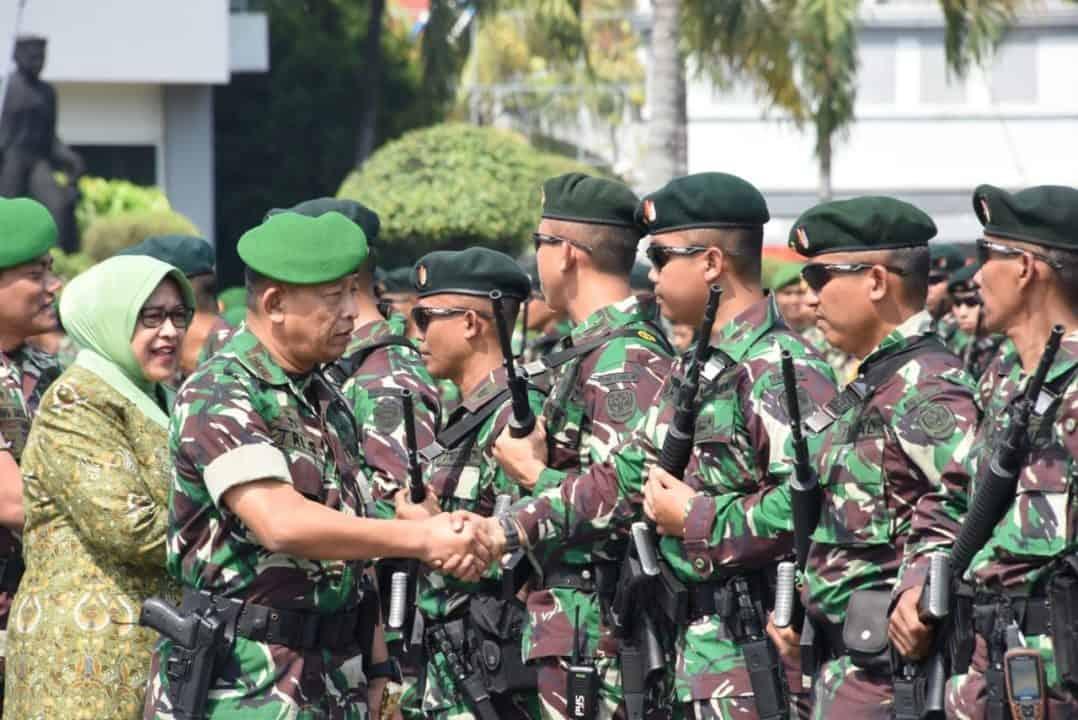 Pangdam Iii/siliwangi Berangkatkan Satgas Yonif Raider 300/bjw Ke Perbatasan Ri – Png