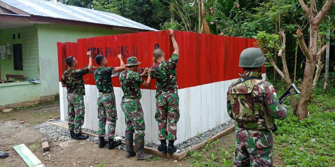 Bangun Budaya Hidup Sehat, Yonif 328 Renovasi Mck Kampung Kibay