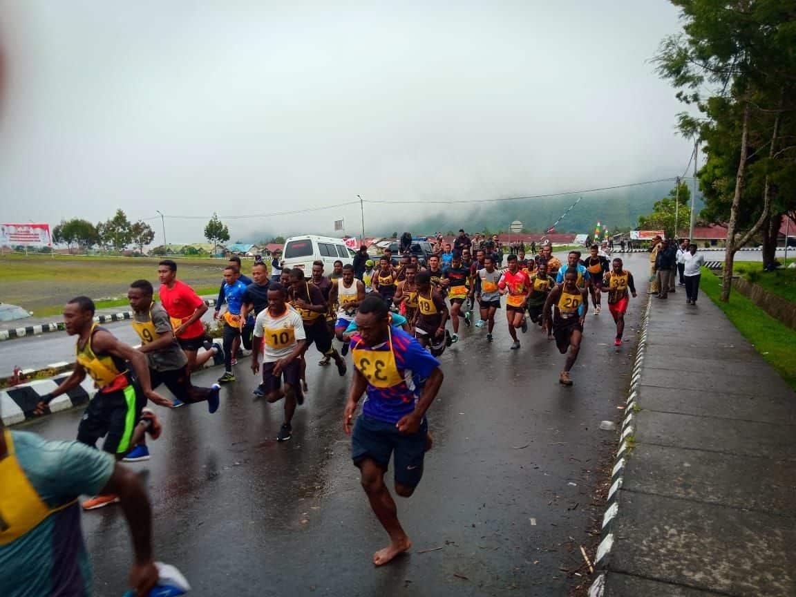 Lomba Lari 5 Km, Bangun Keakraban dan Kebersamaan di Puncak Jaya